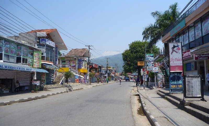Pokhara – luxus pohoda a stávky Nepálců